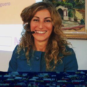 Blanca Moreno parla d'igualtat de gènere en el marc de l'Aula d'Extensió Universitària de Calella.
